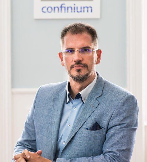 osztrák könyvelő
